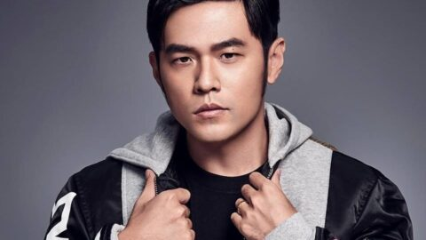 [Lyric Translation]  Jay Chou 周杰倫 – Black Sweater 黑色毛衣
