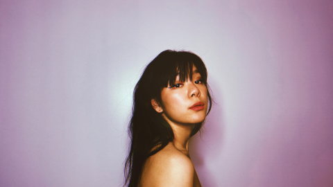 [PREMIERE] 九九 Sophie Chen Releases New Mandarin Track 'Like The Sun 像太陽' Alongside French Version 'Un Peu De Soleil'